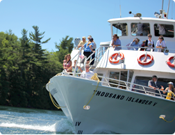 Prize for 11-millionth Gananoque Boat Line customer